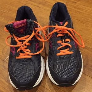 second pair love them both Review of Saucony Grid Twister